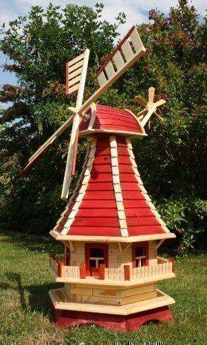 Große Windmühle mit Solarbeleuchtung