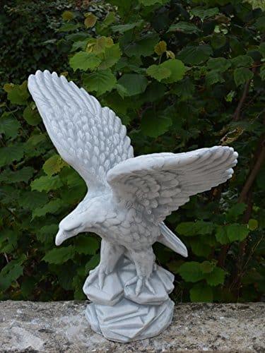 Adler steinfigur adler steinguss gartenfiguren abc for Gartenfiguren stein