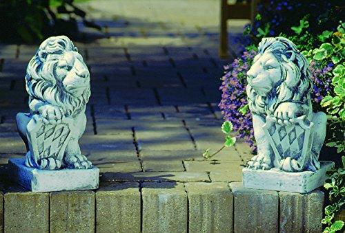 Bayrischer Löwe mit Wappen