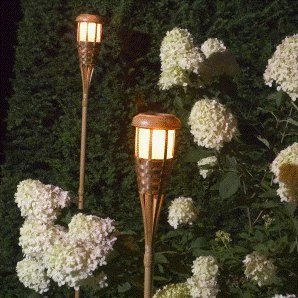 Solarfackeln Bambus – flackernde Flamme