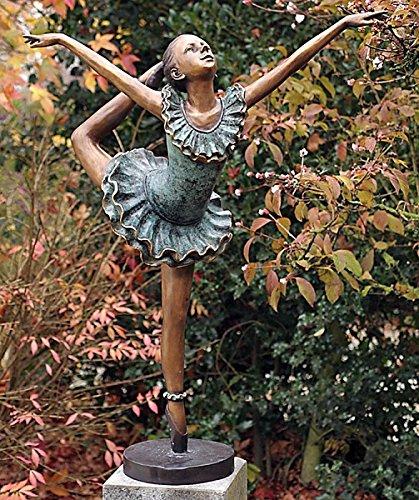 Tanzende Ballerina - Bronzefigur zeigt die Eleganz und Körperspannung des Ballettanzes - Bronzeguss in traditioneller Handarbeit hergestellt.
