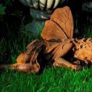Dekofigur Rost Elfe schlafend