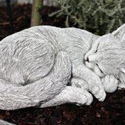 Steinfigur Katze schlafend, eingerollt