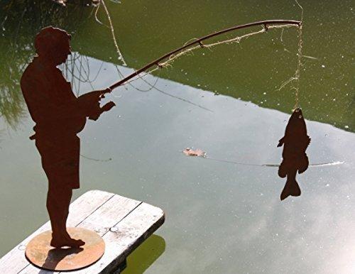 Edelrost Angler Figur Otmar mit Fisch