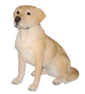 Dekohund - lebensechter gelber Labrador