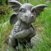skeptischer Gargoyle Drache für Garten