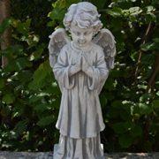 Große Engel Figur betend aus Stein