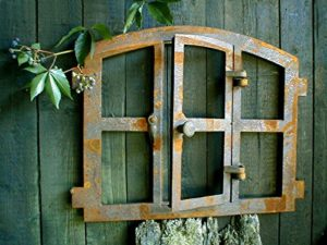 Gusseisen Fenster - Rostdeko Fenster mit Klappe