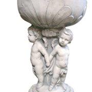 Steinguss Amphore mit 3 Jungen, 65 cm hoch